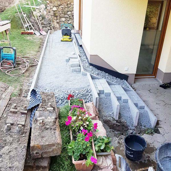 Treppe Untergeschoss bauen