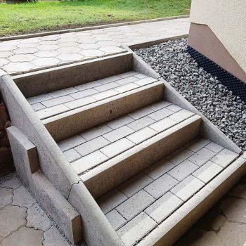Fertige Treppe Untergeschoss